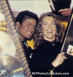 1983 Thriller Certified Platinum Th_948085823_med_gallery_9368_119_21861_122_1095lo