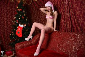 Kira - Sexy Pink Christmas [Zip]55m5fieoyz.jpg