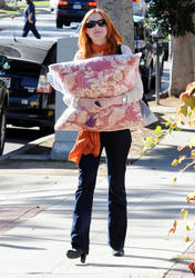 Nov 24, 2010 - Marcia Cross - Out n about in Brentwood Th_27650_tduid1721_Forum.anhmjn.com_20101127100921008_122_1167lo