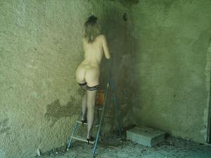 http://img169.imagevenue.com/loc1186/th_107434364_Sensual_saggy_Nina_gets_horny_when_flashing_in_nature_45_123_1186lo.jpeg