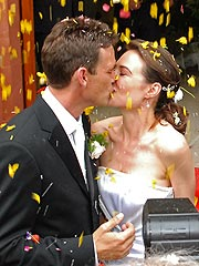th 59766 claire forlani 122 584lo Desperate Housewives actor Dougray Scott ties knot