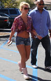 Britney Spears Th_63490_celebrity-paradise.com-The_Elder-Britney_Spears_2009-09-30_-_Shopping_At_Target_in_LA_123_122_708lo