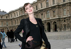 French actress/TV presenter Louise Bourgoin (b.1981, real name Ariane Louise Bourgoin) Foto 37 (Французская актриса / телеведущая Луиз Бургуэн (b.1981, настоящее имя Ариан Луиз Бургуэн) Фото 37)