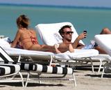 th_45027_Jesica_Cirio_Bikini_Candids_on_the_Beach_in_Miami_October_29_2012_02_122_722lo.jpg