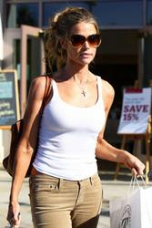 Denise Richards-Rockin A White Tank Top Out Shopping 10/30