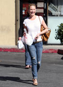 Кэтрин Хэйгл, фото 3555. Katherine Heigl - leaving Sushi Ike in Los Angeles 03/08/12, foto 3555