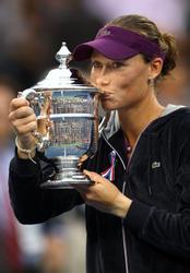 http://img169.imagevenue.com/loc845/th_184502658_148190166_Samantha_Stosur_wins_the_2011_US_Open_073_122_845lo.jpg